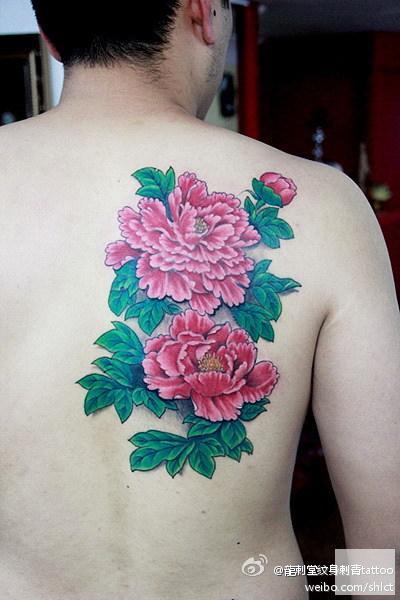 上海纹身店龙刺堂纹身作品:后背菊花纹身