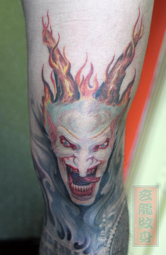 杭州纹身玄龙作品:男生手臂恶魔纹身图案