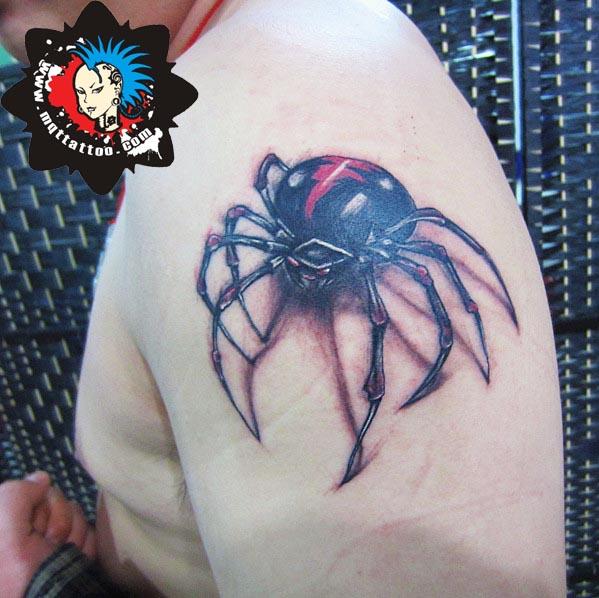 杭州墨青堂纹身店作品:肩部蜘蛛纹身