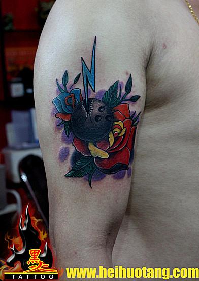 广州黑火堂纹身店作品:手臂花儿纹身图案
