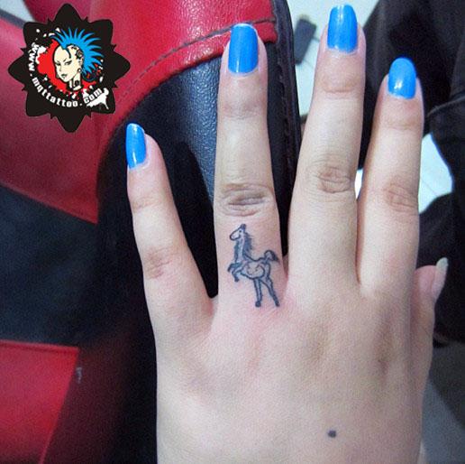 杭州墨青堂纹身店作品:男生前胸个性纹身  杭州墨青堂纹身店作品:男生前胸个性纹身  杭州墨青堂纹身店作品:男生前胸个性纹身