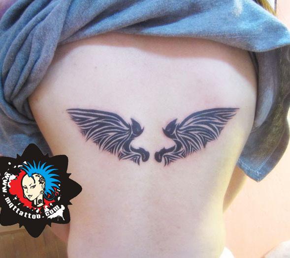 杭州墨青堂纹身店作品:手臂图腾翅膀纹身