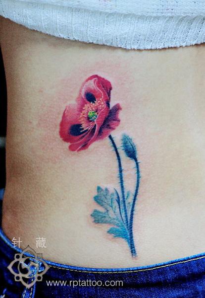 上海纹身店针藏刺青作品:腹部花卉纹身