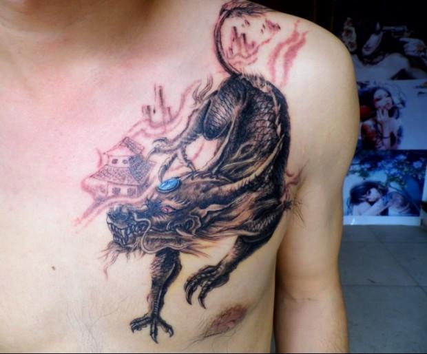 南昌天使烙印纹身店作品:肩部麒麟纹身图案