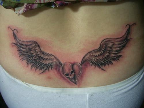 南昌天使烙印纹身店作品:腰部翅膀纹身图案