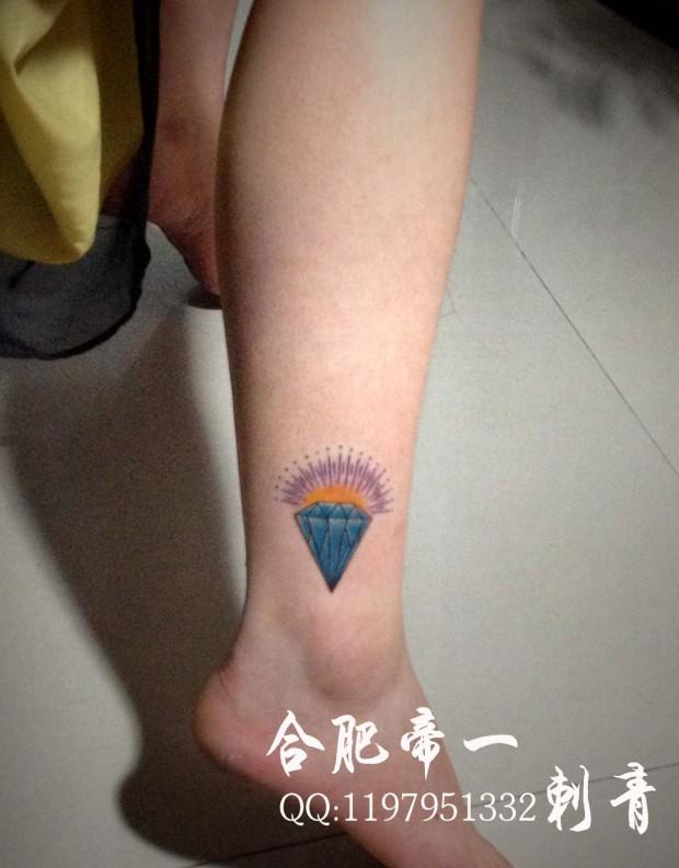 合肥帝一纹身店作品:脚部钻石纹身图案