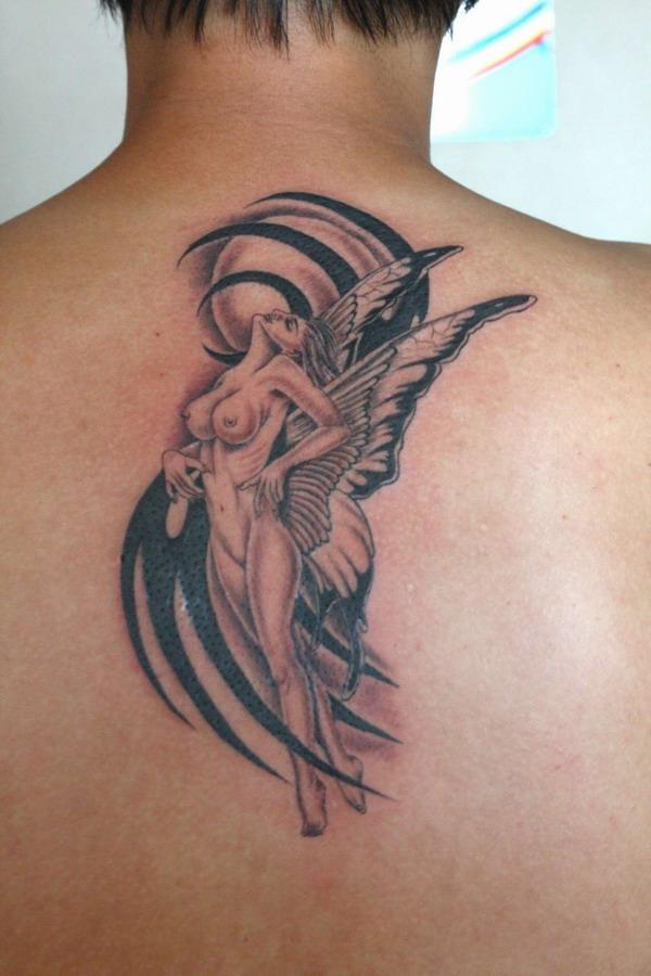 天津纹画轩纹身店纹身作品:后背天使纹身图案