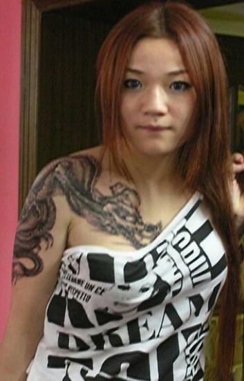 安庆惊魂纹身堂纹身店作品:美女半胛纹身图案