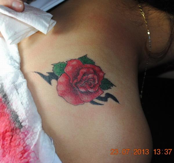 安庆惊魂纹身堂纹身店作品:玫瑰花纹身图案