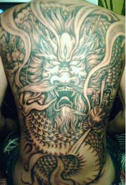满背龙纹身图案-蚌埠纹身店金禧纹身推荐