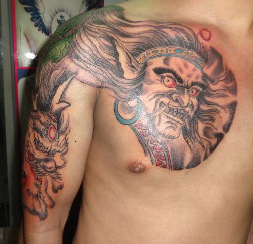 过肩龙魔头纹身图案-蚌埠纹身店金禧纹身推荐