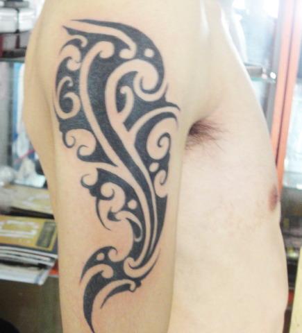 手臂图腾纹身图案-蚌埠纹身店金禧纹身推荐